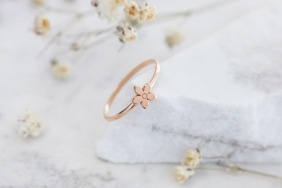 Flower Jewelry Solid Gold Thin Band 9K 14K 18K Rose Gold Ring Gift For Daughter Dainty Floral Band Tiny Flower Ring Romantic Gold Ring