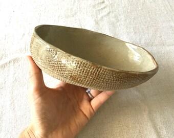 Ceramic Oval Bowl  - Gloss Beige