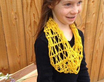 Crochet Kid's Cowl Pattern - honeycomb cowl, lace cowl pattern, crochet lace, crochet pattern for kids, kid's clothes crochet pattern