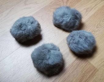 9cdd8ca60026 2 pcs 7-8cm Pompon en véritable fourrure de lapin gris