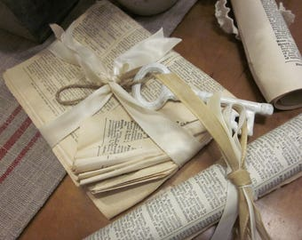 Old Pages - Paper Decor