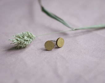 Studs circle in gold, jewelry made of wood