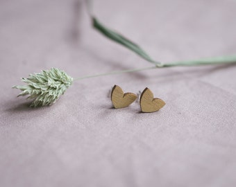 """Studearrings """"Flosse Herz"""" in gold, jewelry made of wood"""