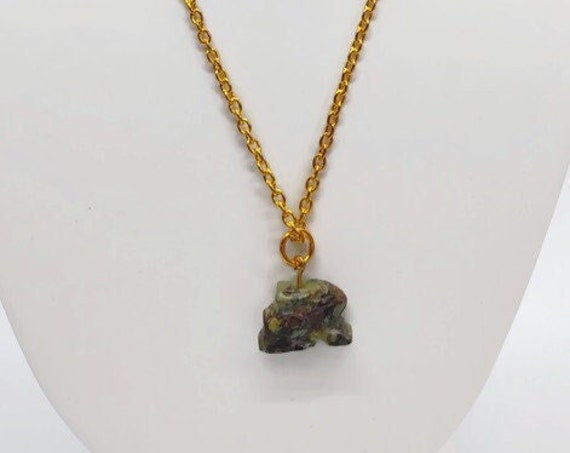 N-1574 Stone bunny necklace