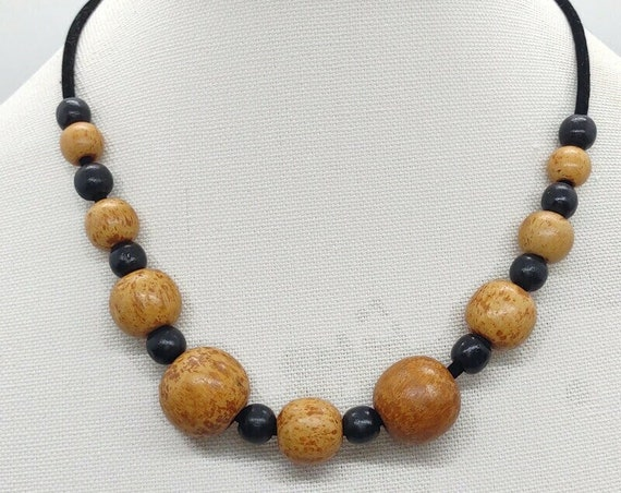 M-1636 Wood Bead Necklace