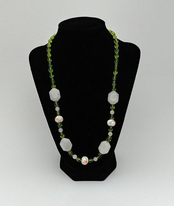 N-1646 Rose Quartz and Glass Necklace