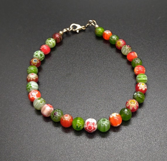 B-1618 Red and green bracelet