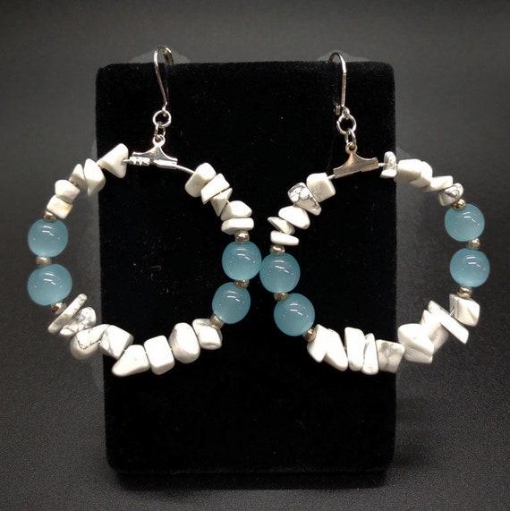 E-1683 White Stone Chip Earrings