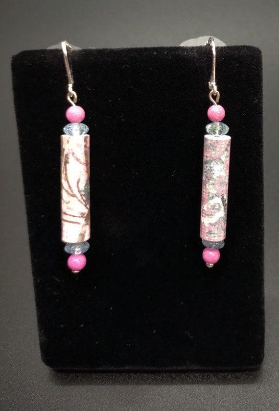 E-1689 Paper and Glass bead Earrings