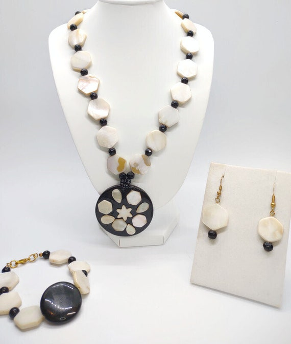 Handcrafted Shell Necklace with Pendant