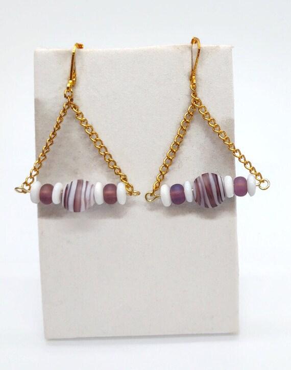 E-1686 Purple and White dangle Earrings