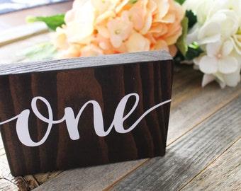 Numéros de Table de mariage rustique | Décoration de mariage rustique | Numéros de Table en bois | Numéros de table | Décor de mariage | Printemps | Mariage d'hiver | Été