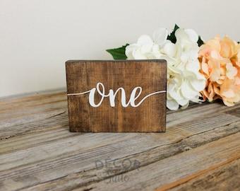 Numéros de Table de mariage rustique | Décoration de mariage rustique | Numéros de Table en bois | Numéros de table | Décor de mariage | Mariage de printemps | Mariage d'hiver