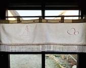 "Shabby Slice Gardine, vintage Curtain, 28 x 78 cmm 11 x 31, ""Loop Billiine,"