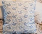"""Vintage pillow cover mt buttons, 50 x 50 cm, 19.7x19.7"""", blue rose ornaments, antique peasant bedding, white, blue, buttoned, unique,"""