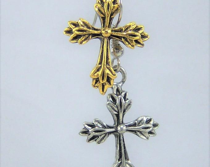 E258 - Cross Earrings