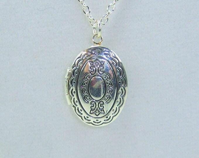 N461 - Locket Necklace