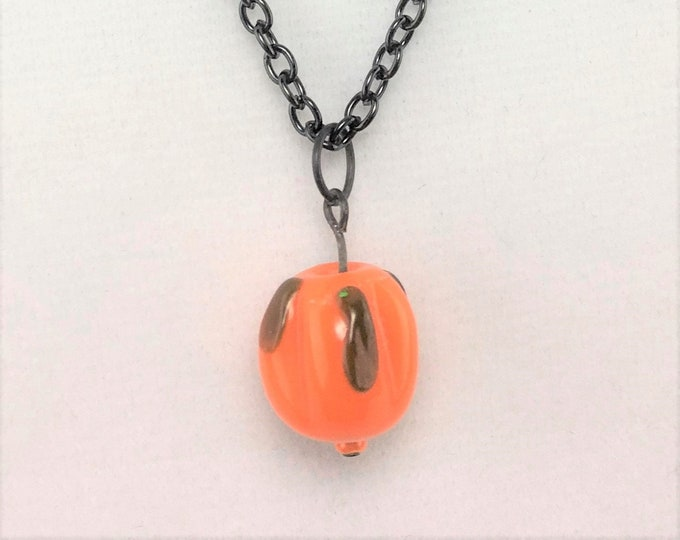 HLWN498 - Lampworked Glass Pumpkin Necklace