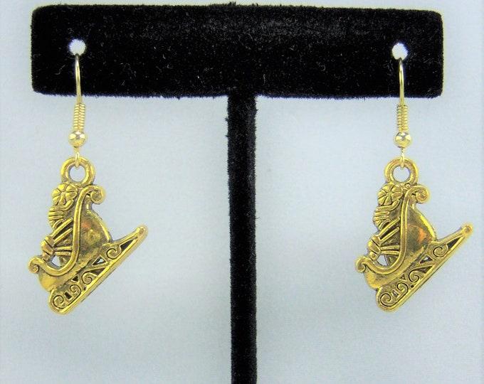 XMAS382 - Sleigh Earrings