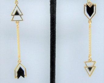 E446 - Arrow Pendant Earrings