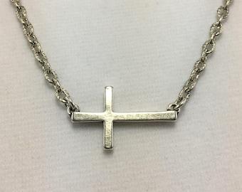 N496 - Cross Necklace