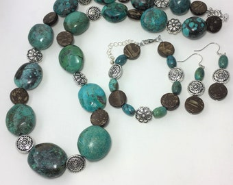 T594 - Turquoise, Wood and Silver-Plated Bead Necklace, Bracelet and Earrings