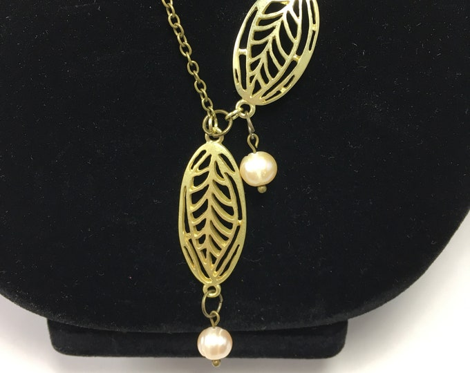 S533 - Gold-Finished Leaves and Pearls Lariat Necklace and Earrings Set