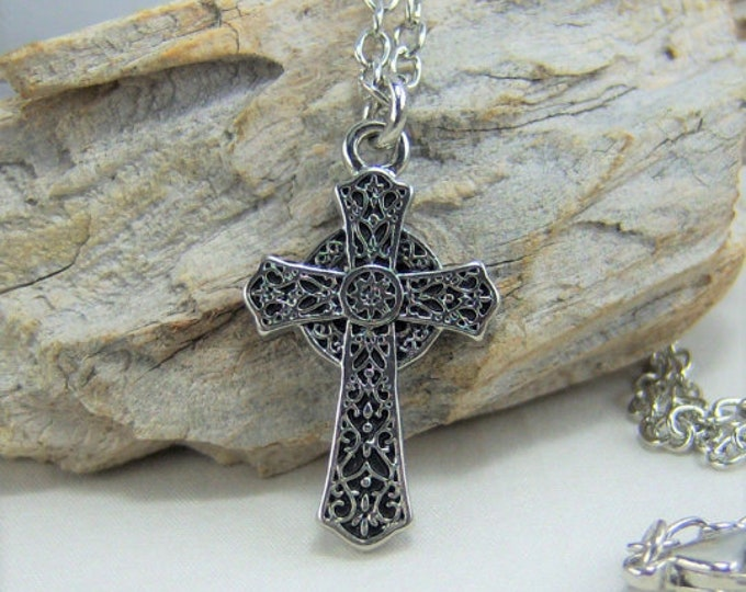 N371 - Cross, Celtic Silver, Necklace
