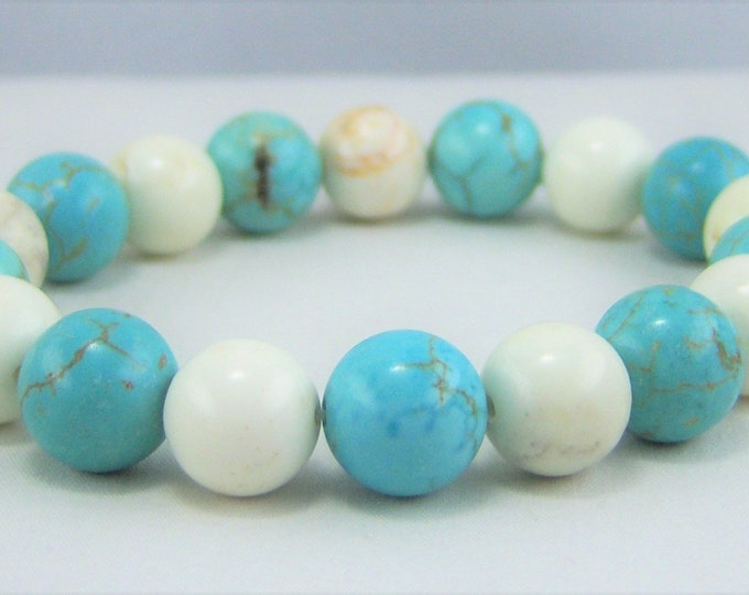 HMJ182 - Turquoise Dyed and White Howlite Bracelet