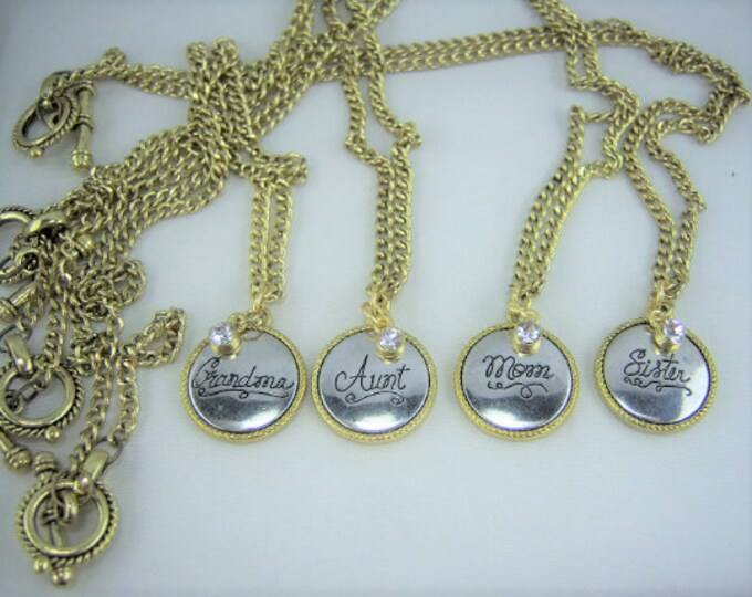 N073 - Female Relative Necklace
