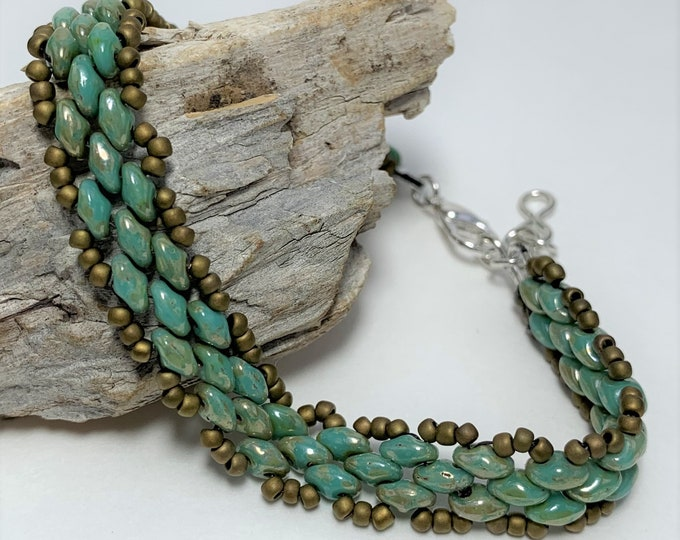 HB621 - Turquoise Green Picasso Hand Bead Bracelet