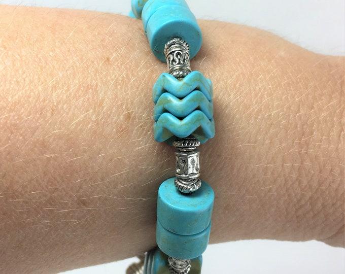 HMJ054 - Howlite (Turquoise), Silver Bead and Arrowhead Charm Bracelet