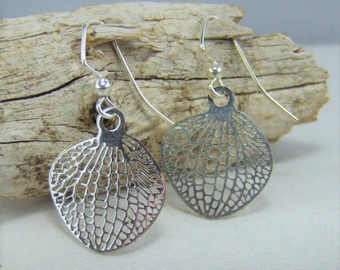 E264 - Leaf Earrings