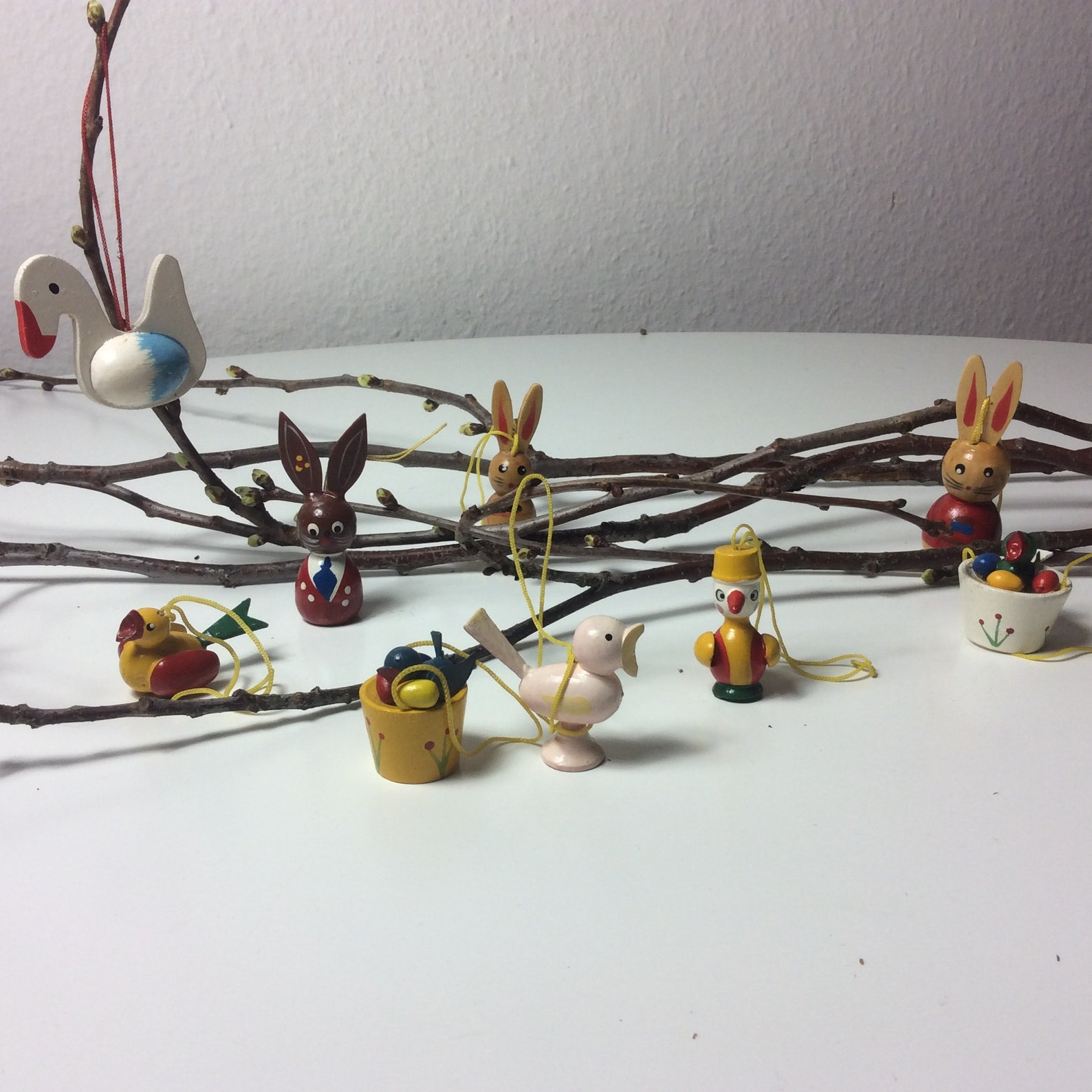 Vintage traditional german easter deco handpainted Erzgebirge easter bunnies easter birds 9 pcs
