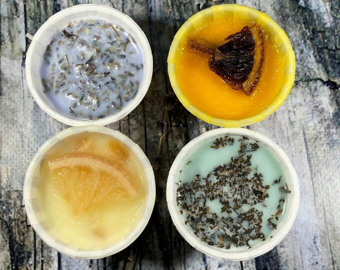 Oli essenziali e erbe aromatiche in cera di soia in 4 pirottini di carta per termosifoni e superfici riscaldate Lavanda Menta Limone Arancio