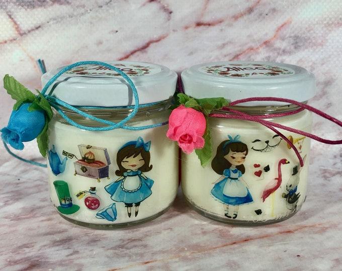 Alice nel Paese delle Meraviglie 2 candele in cera di soia e oli essenziali idea regalo fine festa bomboniera segnaposto