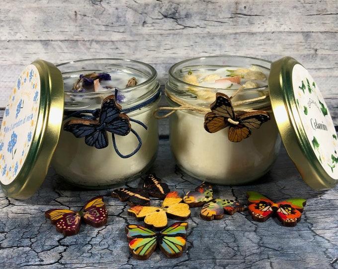 Candela al gelsomino o al nontiscordardimé in cera di soia e oli essenziali con fiori veri essiccati
