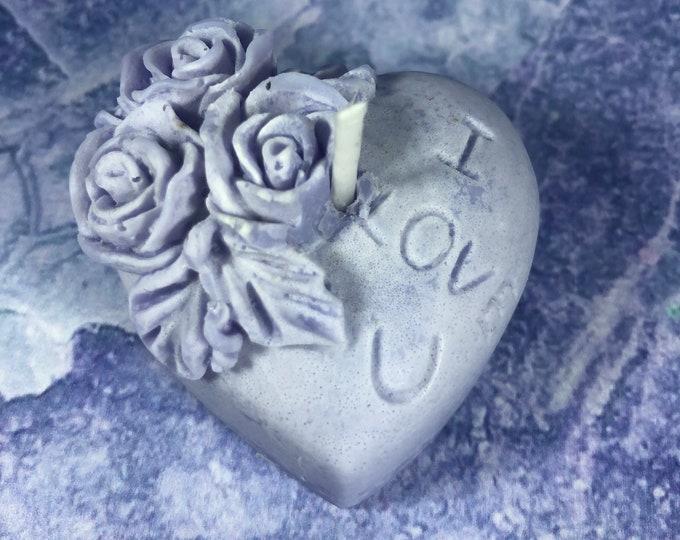 Cuoricino in cera di soia e oli essenziali piccola candela ecologica, idea regalo san valentino, per la fidanzata, la moglie, la compagna