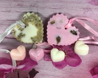 2 profumatori a forma di cuore in cera di soia oli essenziali confezione regalo profumati alla camomilla e alla rosa e 4 cialdine profumate