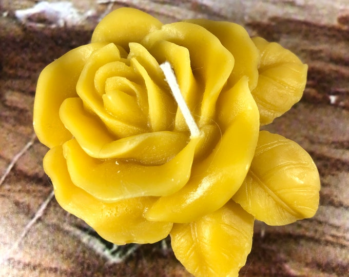 Candela in cera d'api a forma di rosa profumata al miele in confezione regalo san valentino festa della mamma bomboniera matrimonio