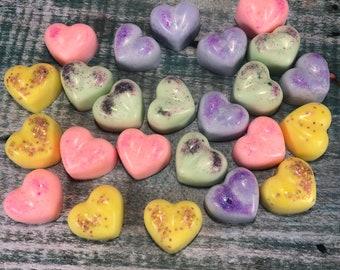 20 tart profumate a forma di cuore per bruciassenze in cera di soia e oli essenziali, profumazione a scelta, in confezione regalo