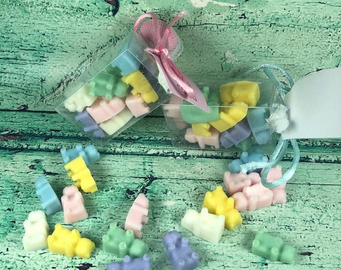 30 confezioni con micro orsetti in cera di soia in scatolina con tag e confetto segnaposto bomboniera battesimo comunione cresima matrimonio