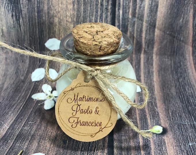 Candela in vasetto tondo personalizzata con tag confezionata in scatolina per bomboniera segnaposto matrimonio comunione battesimo cresima