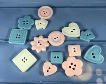 30 confezioni con 4 bottoni in cera di soia in scatolina per segnaposto o bomboniera battesimo nascita matrimonio comunione cresima