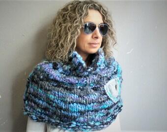 Handmade multicolor capelet/neckwarmer, knit