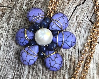 Golden seaside necklace