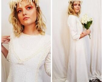 Boho Wedding Dress. 70s Wedding Dress. White Cream Lace Dress. Hippie dress. Size small medium