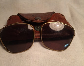 62c89b26591ba Vinatge Clip on Sunglasses