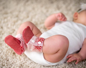 Girl baby booties, Baby booties girl, Stay on baby booties, Baby shoes girl, Toddler slippers, Baby shower gift girl, Handmade baby shoes