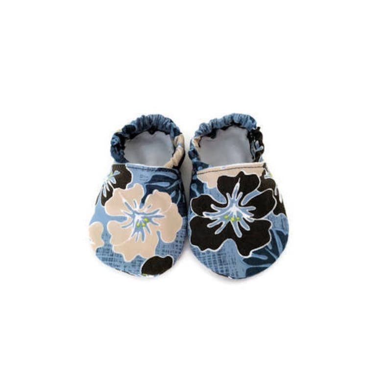 5840cfdbd68e93 Hawaiian baby gifts Hawaiian shoes Baby shoes Hawaiian